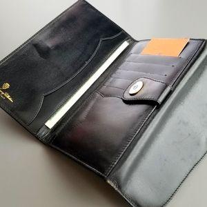 GUCCI  Beautiful Vintage Gucci long bifold wallet
